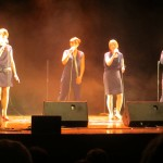 """Niniwe: 4 jeunes allemandes, voix magnifiques, chants magnifiques, en particulier le """"Halleluia"""""""