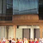 Chœur Résonances de la Roche-Bernard, belle prestation de musique classique sans partition (dans le cadre des Chaines Chantantes de Polyfollia).